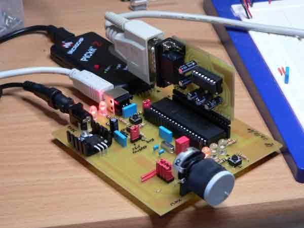 Плата PIC USB с установленным модулем RS232