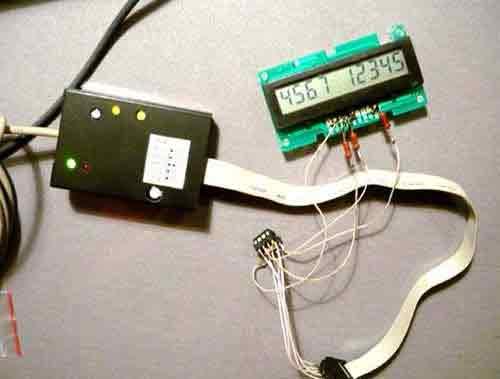 А лучше не один, а... Еще один домашний термометр.  (2 канала, точность 0.1 градус, PIC12F629) Что делает...