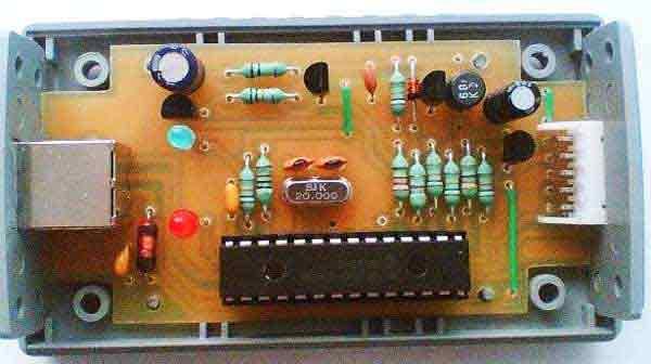 USB программатор на PIC18F2550 работает со своим софтом.  Работает с большим количеством PIC контролеров...
